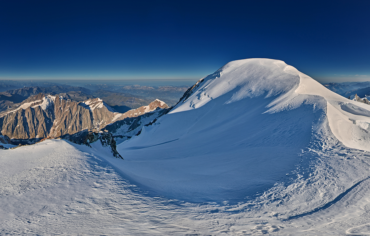 Photographie panoramique 360° du sommet du mont Blanc visite virtuelle de l'ascension du mont Blanc