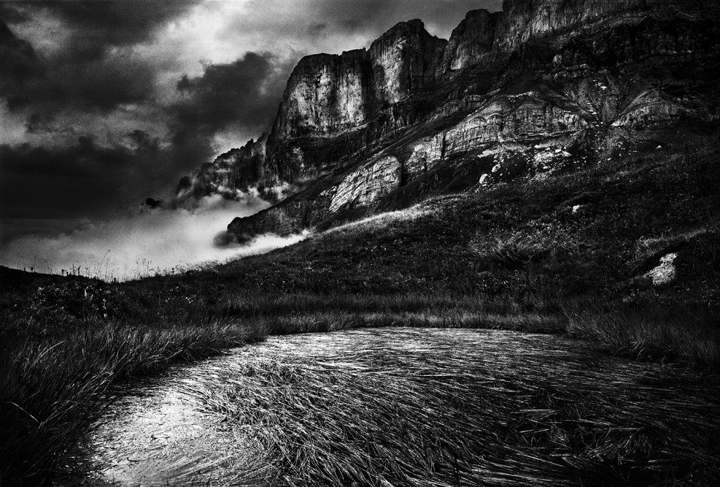 Photographie de montagne paysage du massif du mont Blanc Photographie d'art photo noir et blanc